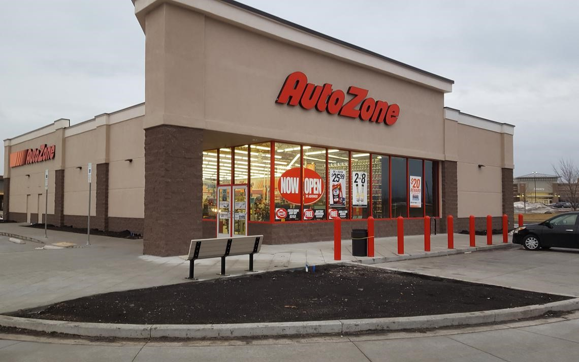 AutoZone Vs Amazon Can Warehouse Stores Still Compete With E-Commerce Giant-fig 3