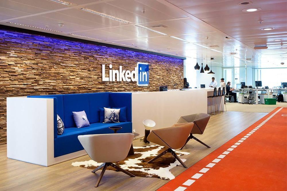 Staff working in Linkedin office