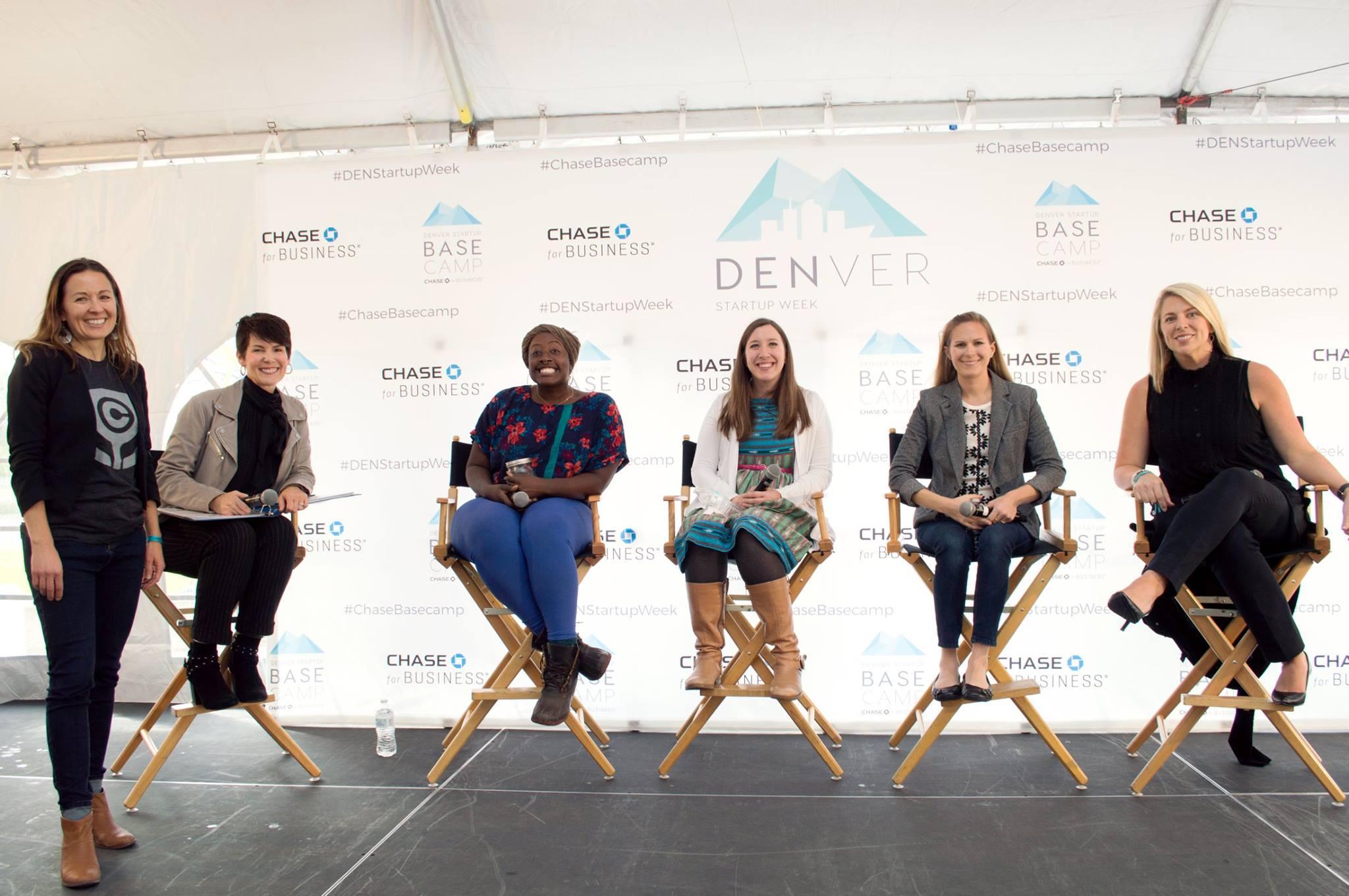 female entrepreneurs in a talk at DSW