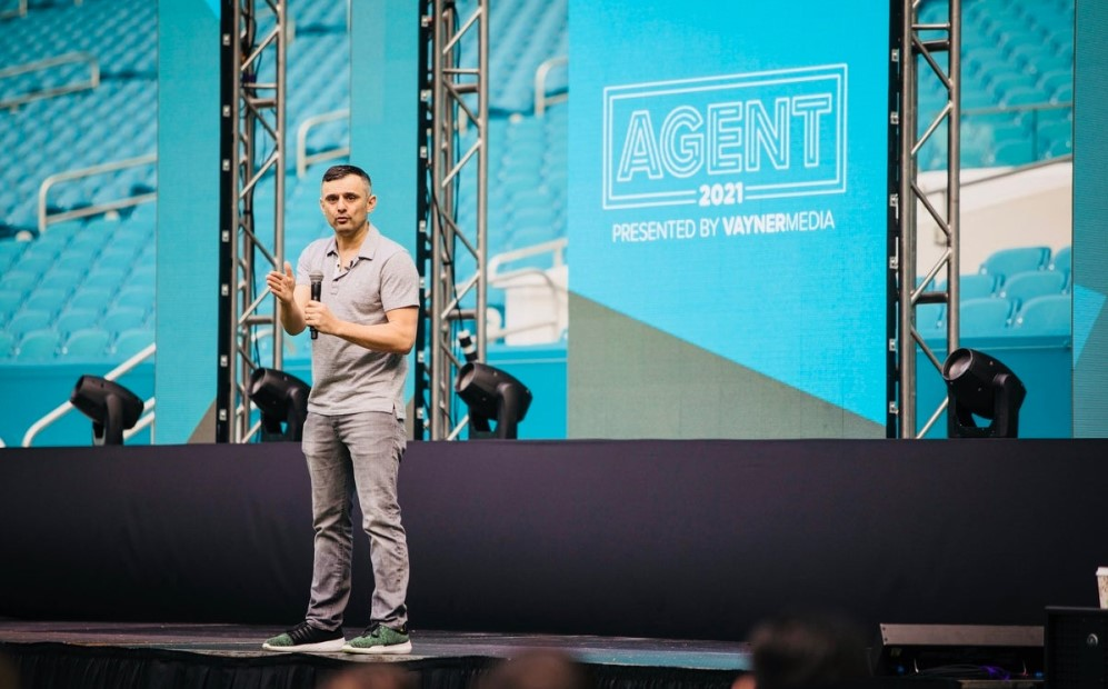 Gary Vaynerchuk in a talk at Agent 2021 conference