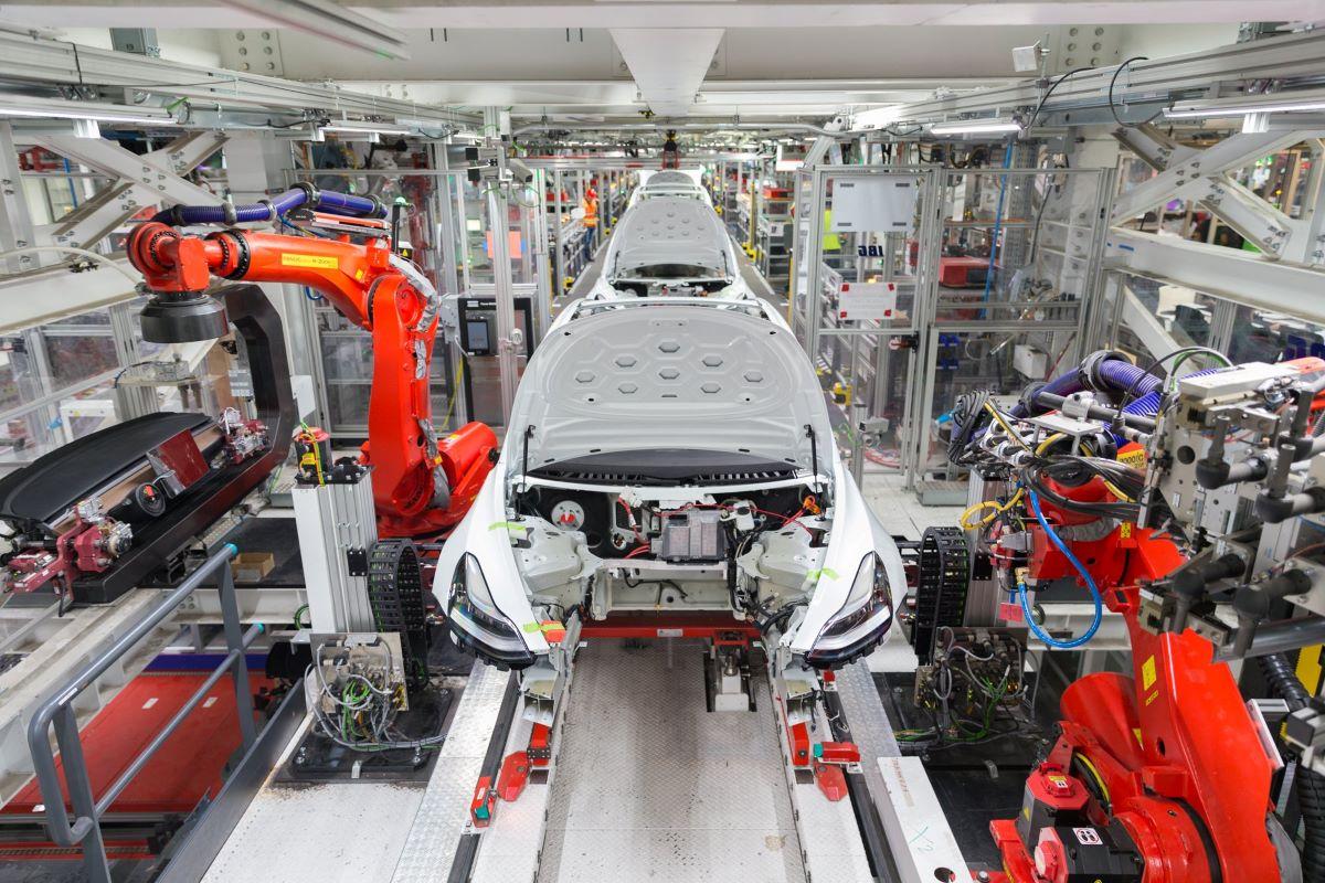 Tesla manufacture chain